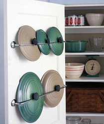 decoratingyoursmallspace.com-pot-rack-storage